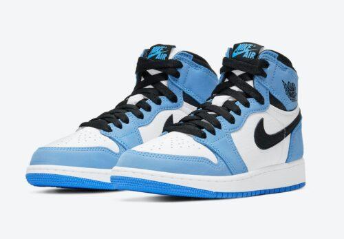 Голубые мужские кроссовки